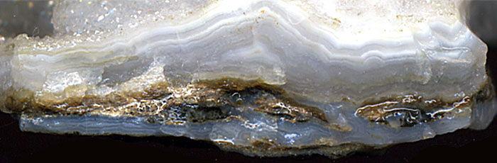 Где принимают драгоценные камни