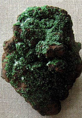 Conichalcite :: Toxic stone and minerals, dangerous for life and